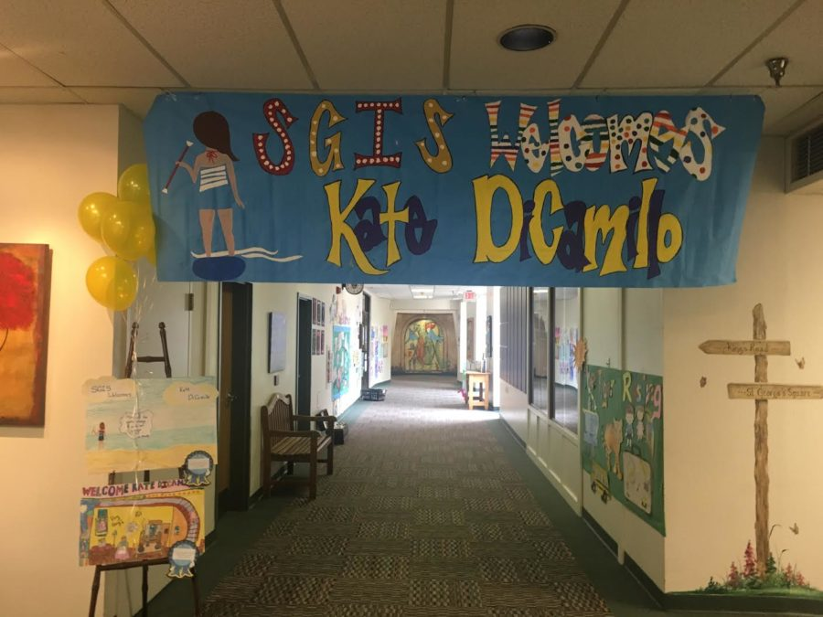 A+student-made+sign+by+students+welcomes+author+Kate+Dicamillo+to+St.+George%27s.+The+award-winning+author+visited+the+Germantown+Campus+on+Mon.+May+9.+