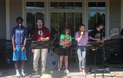 Seniors Sing Away