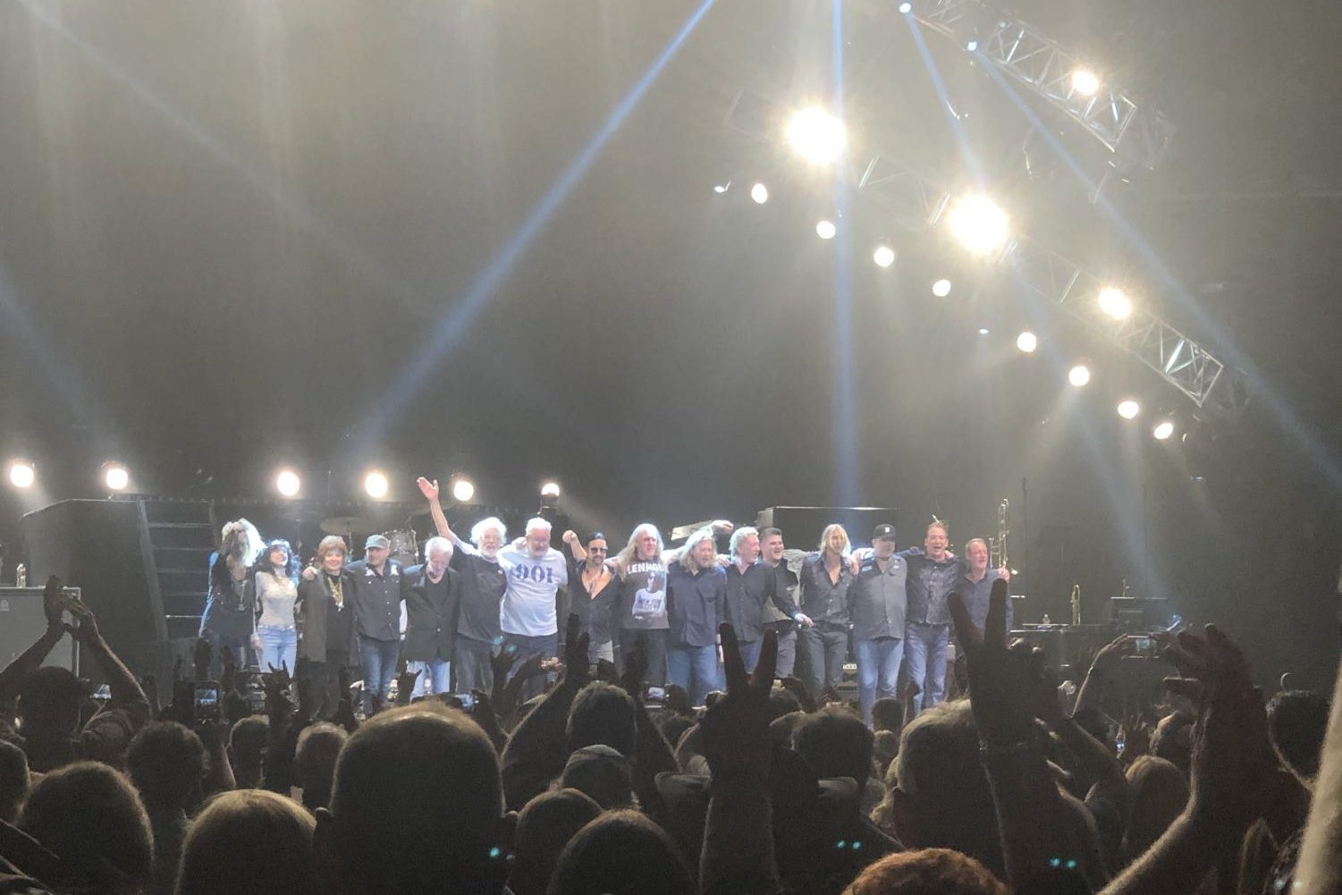 Bob Seger and the Silver Bullet band take a bow before playing an encore at the FedEx Forum.